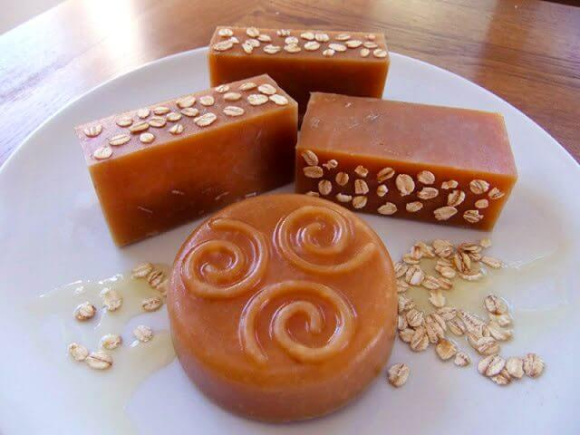 Honey & Beeswax Soap Recipe
