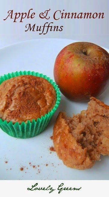 Simple recipe for moist and homemade Apple & Cinnamon Muffins #breakfast