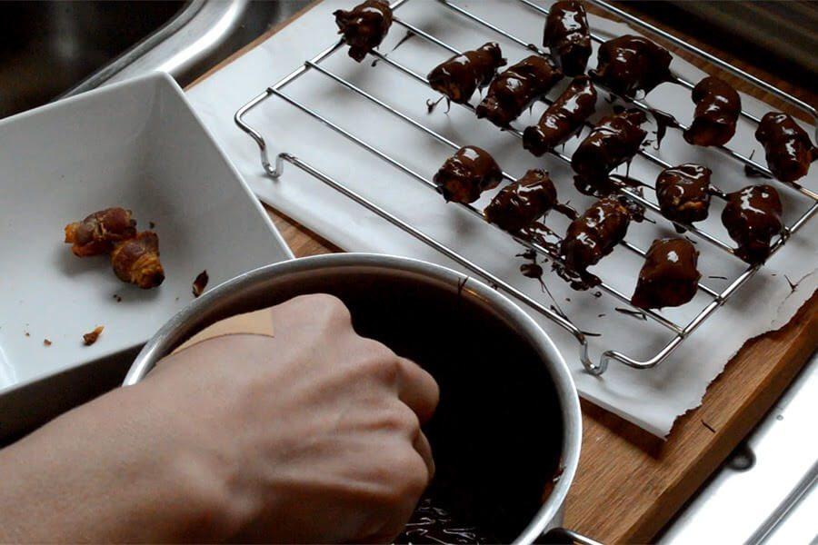 Dark Chocolate Bacon Truffles Recipe - sweet, salty, and surprisingly divine