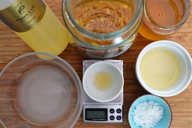 Recipe and instructions for making handmade Calendula & Honey Body Cream