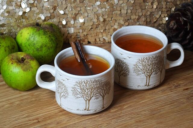 Spiced Winter Wine with Apple, Cinnamon, & Ginger