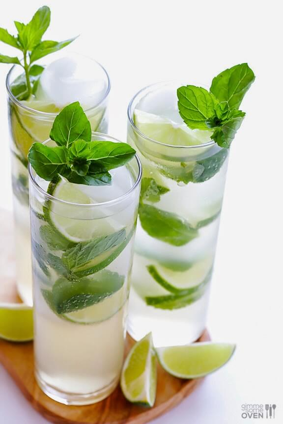 15 Mocktail Recipes made with Garden Herbs - Straight from the garden, these delicious and healthy drinks are an alcohol-free alternative to boozier party drinks #mocktail