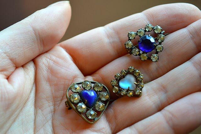 A Treasure Trove of Vintage Jewellery - a glimpse into a private collection of necklaces, pendants, earrings, brooches, and more from the 17th-20th centuries #jewellery