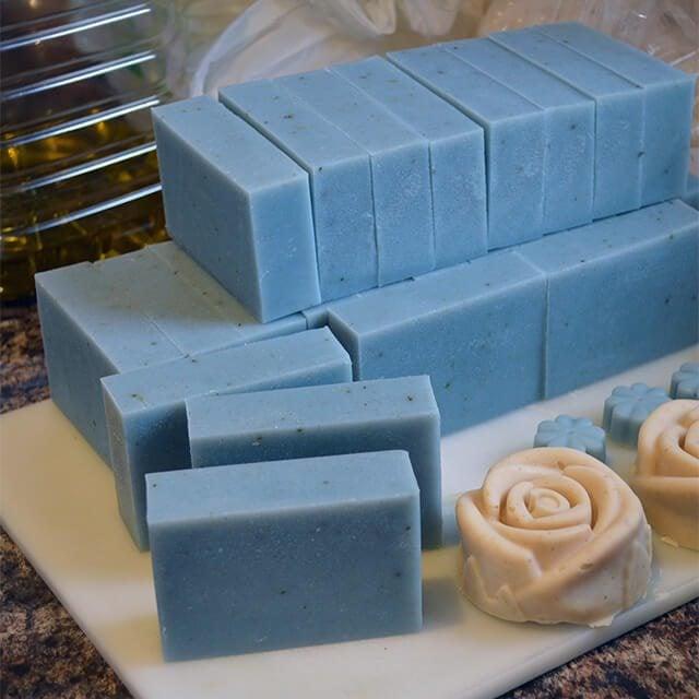 http://lovelygreens.com/2014/04/handmade-daffodil-soap-recipe.html