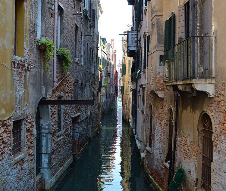 Photo diary of a solo trip to Venice, Italy, one of the most romantic cities in the world.