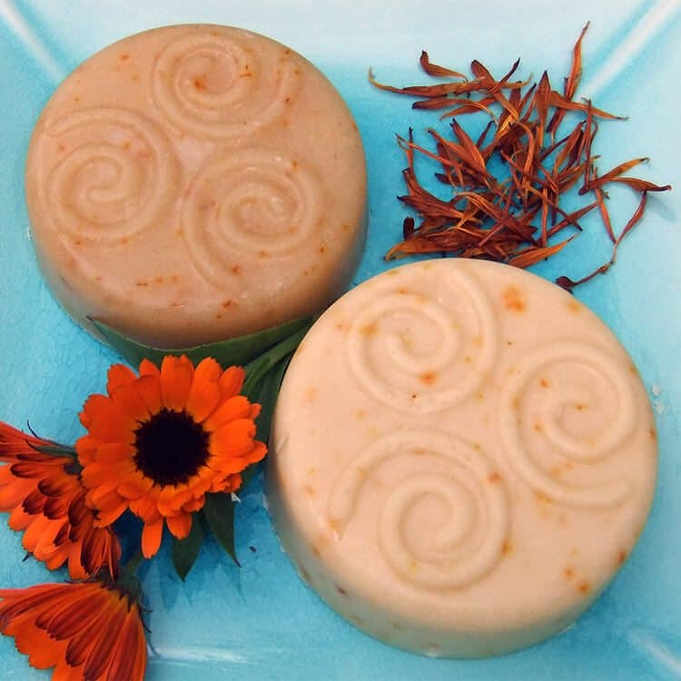 How to grow and use Calendula Flowers in Beauty & Cooking: Calendula petals are a golden edible flower that are also great for use in beauty products and herbal remedies. Pictured here: recipe for Calendula soap