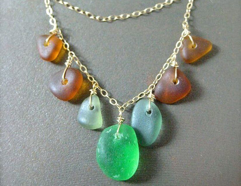 30 sea glass ideas projects lovely greens sea glass necklace solutioingenieria Gallery