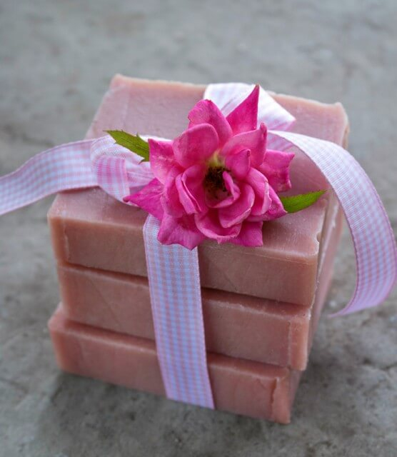Old-Fashioned Rose Soap Recipe + Instructions