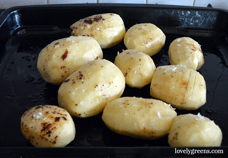Two great tips to making the best Hasselback Potatoes - these are partially sliced potatoes roasted in the oven until golden brown and delicious.