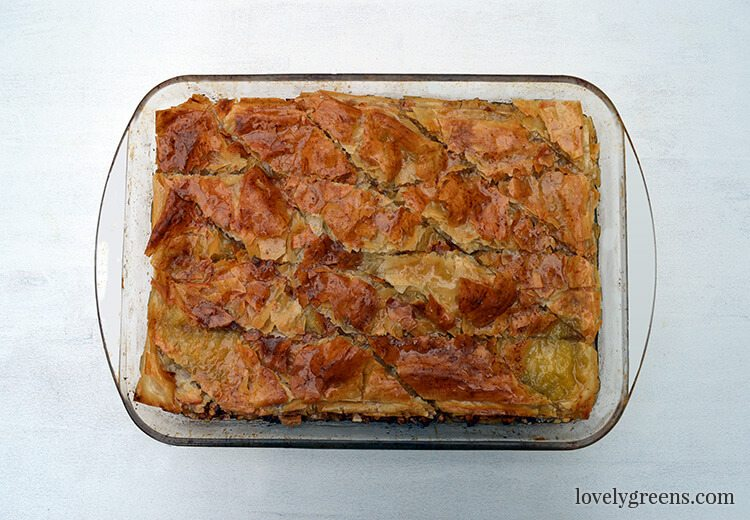 Honey and Almond Baklava recipe - filo pastry layered with chopped ...
