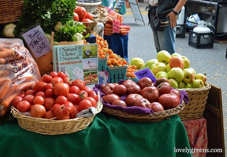 Visiting the Ballard Farmers Market {locally grown food-porn ahead}