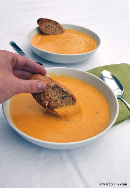 Creamy Pumpkin Soup with Toasted Pumpkin Seeds {Vegan}