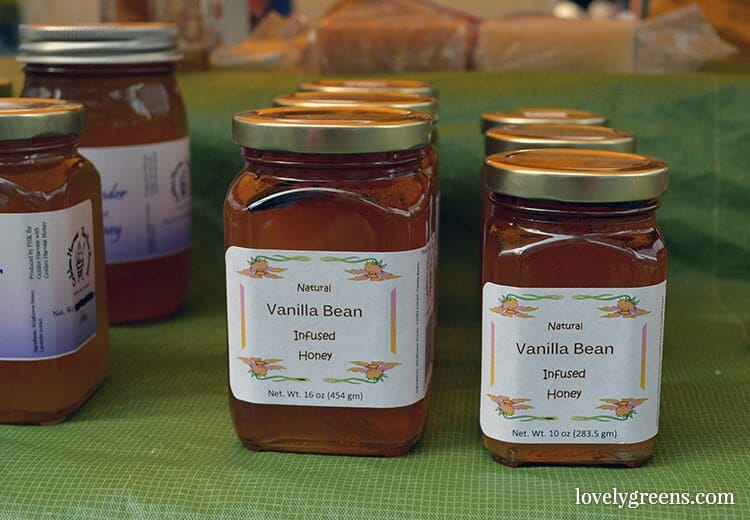 Vanilla Bean Honey: Visiting the Ballard Farmers Market {locally grown food-porn ahead}