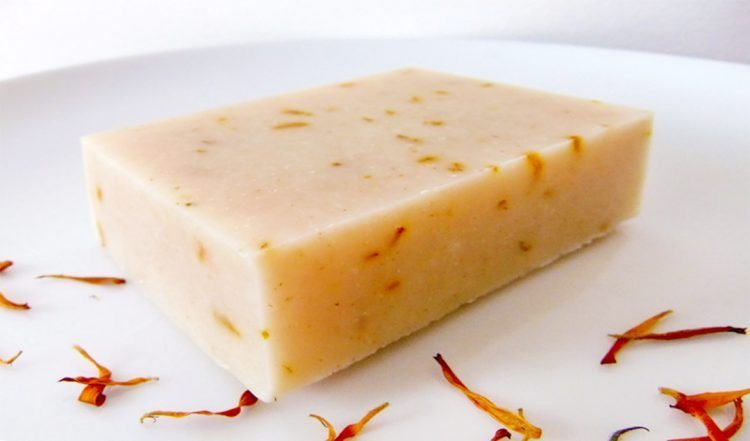 How to make Calendula Soap: a natural yellow to orange colored soap