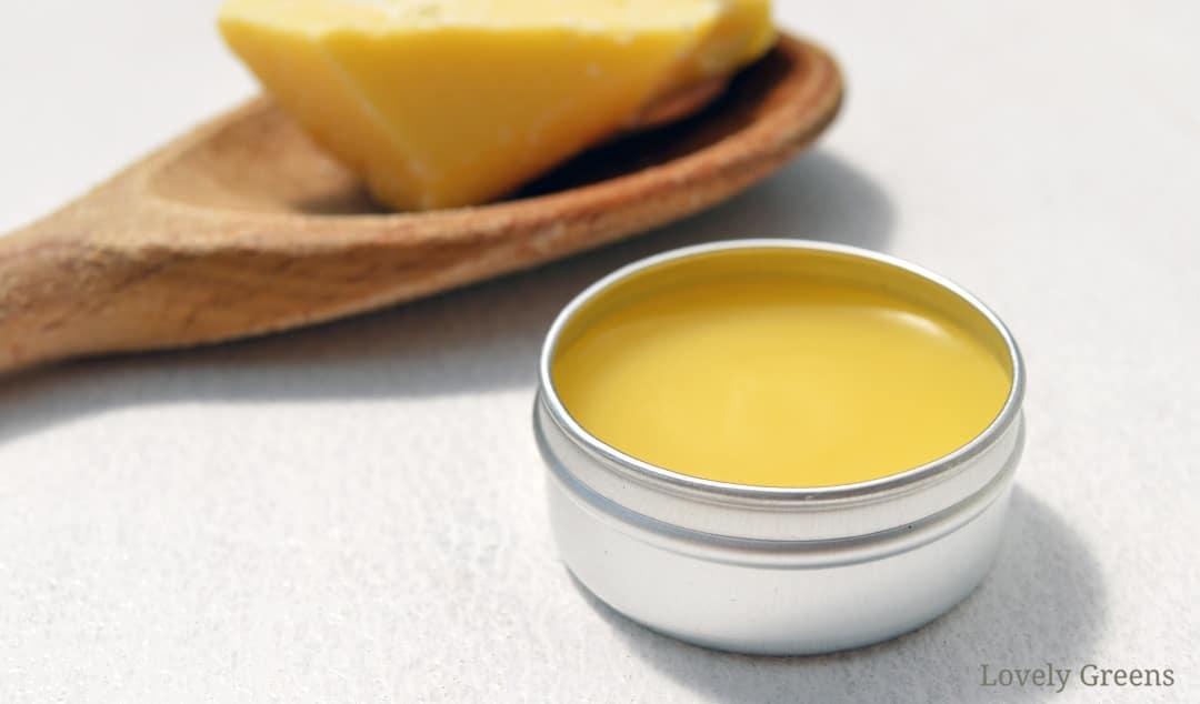 Vanilla & Cocoa Butter Lip Balm Recipe
