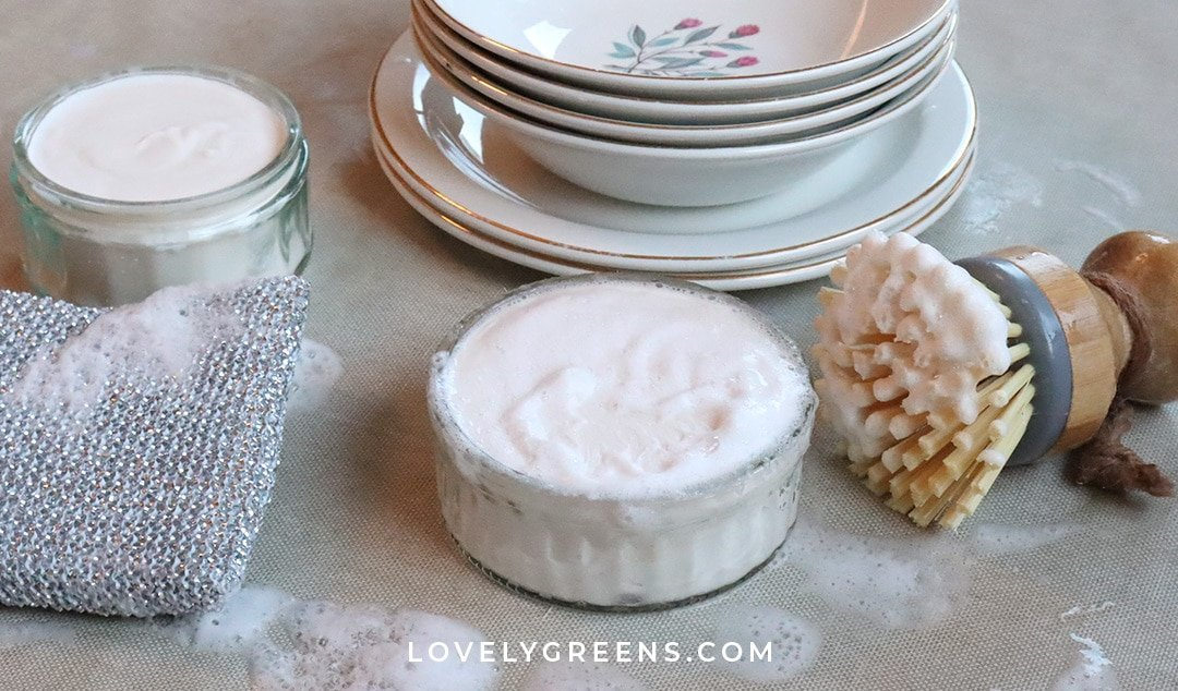 A simple homemade dish soap recipe with long-lasting fluffy bubbles that get dishes squeaky clean. Perfect for the natural and zero-waste home #soaprecipe #soapmaking #homecleaning