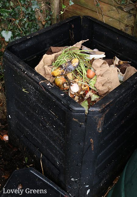 There are many ways to make compost but this is the easiest way. All you need is a bin, a mixture of brown and green waste, and a little bit of time #organicgardening #gardeningtips #compost #permacultureThere are many ways to make compost but this is the easiest way. All you need is a bin, a mixture of brown and green waste, and a little bit of time #organicgardening #gardeningtips #compost #permaculture