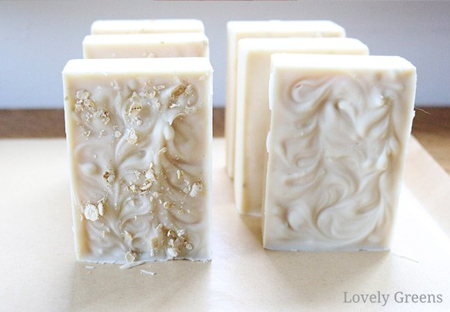 How to make honey and beeswax soap. Includes tips on creating both a light colored and warm brown tinted batch of soap #soapmaking #soap #honeyrecipe