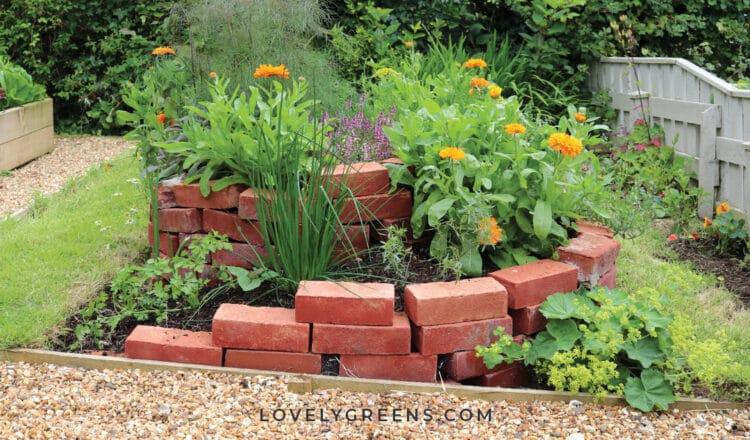 Grow an Outdoor Herb Garden in this DIY Herb Spiral
