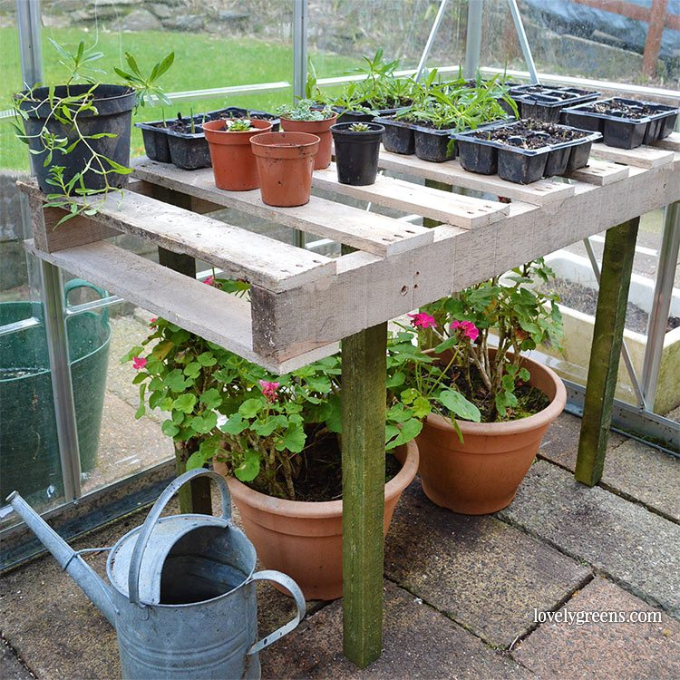 DIY Pallet Wood Potting Bench