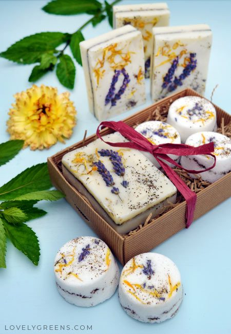 Herb Garden Soap Recipe + Instructions • Naturally scented with herbal & floral essential oils and decorated with pretty flowers and herbs #lovelygreens #soapmaking #soaprecipe #soap #naturalsoap #soapdiy #lavender #calendula #marjoram