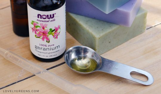 Essential Oils for Soap Making + how much to use in a batch