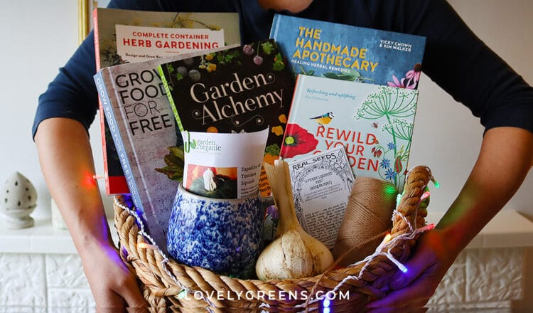 The Best Gifts for Gardeners and What NOT to Get