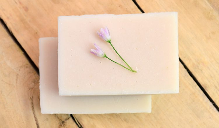 How to make Pure White Natural Goat Milk Soap