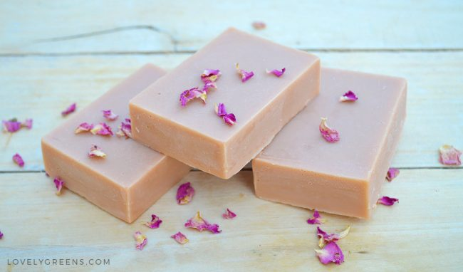 Natural Soap Making for Beginners: a four part series on how to make handmade soap using all natural ingredients. The parts include Ingredients, Equipment & Safety, Basic Soap Recipes, and the full cold-process soap making method #lovelygreens #soap #soapmaking #howtomakesoap #naturalsoapmaking