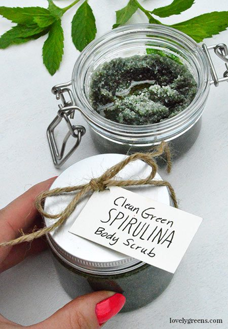 How to make Clean Green Spirulina Body Scrub with nourishing oils, sea salt, and zesty peppermint essential oil #lovelygreens #skincare #diybeauty