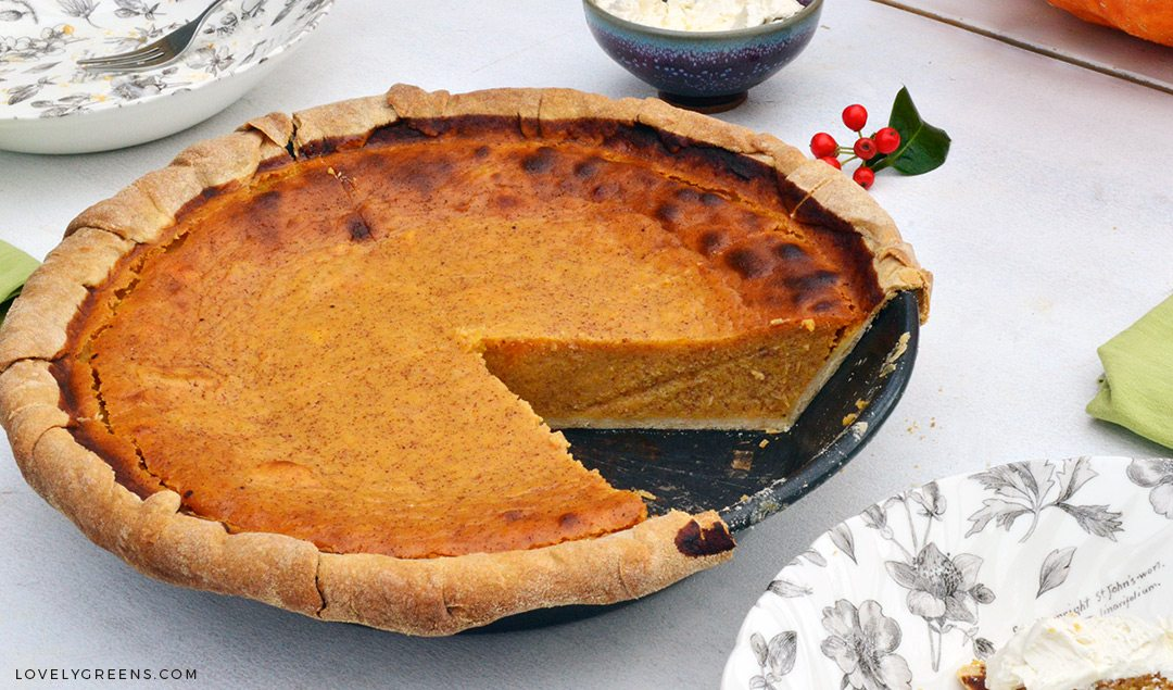 Butternut Squash Pie Recipe: the best 'Pumpkin Pie' you'll ever taste plus a little background on why the pumpkin pie you've enjoyed all your life doesn't have pumpkin in it either #lovelygreens #pumpkinpie #pumpkinrecipe #pie #pierecipe