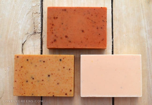 hat ranges from a pale pinky-yellow to a deep burnt orange. Part of the Naturally Coloring Handmade Soap series #naturalsoap #soaprecipe #turmericrecipe #turmericforskin #soapmaking #handmadesoap #colorsoap #soaptechnique