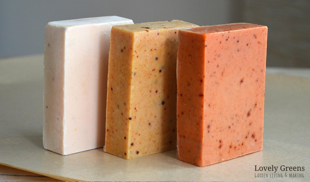 hat ranges from a pale pinky-yellow to a deep burnt orange. Part of the Naturally Coloring Handmade Soap series #naturalsoap #soaprecipe #turmericrecipe #turmericforskin #soapmaking #handmadesoap #colorsoap #soaptechnique #lovelygreens