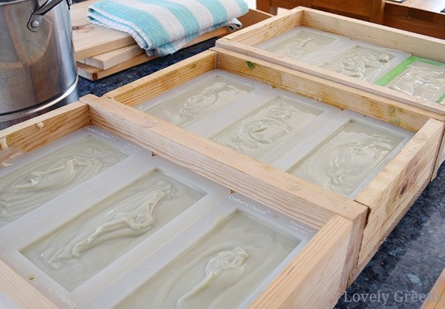 Guide to Soap Molds including materials you should avoid and ideas for wooden, silicone, recycled, and custom soap molds #lovelygreens #soapmaking